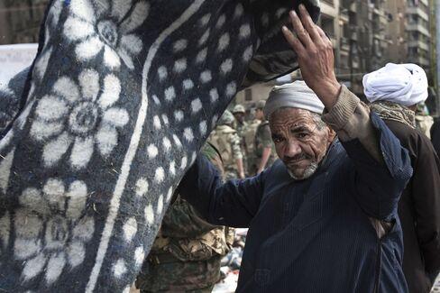 Egypt Crafts Stimulus Plan Jump-Start 'Sudden Stop' Economy