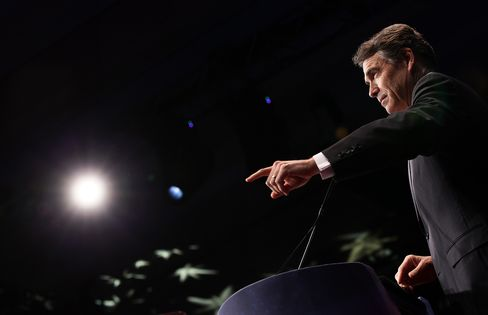 Texas Governor Perry Endorses Romney as Republican Nominee