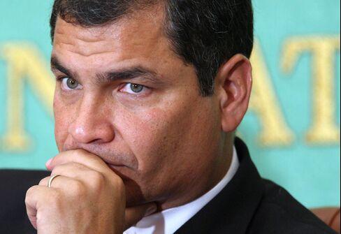 Correa Says Assange May Stay in Ecuador Embassy Indefinitely