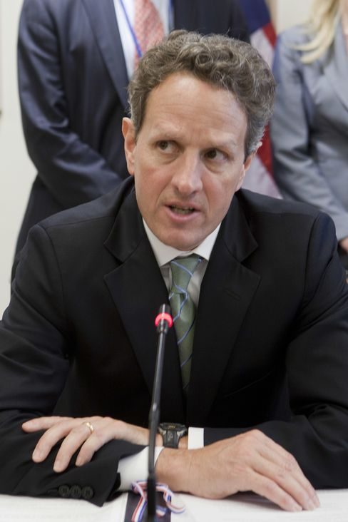 Geithner Says Europe Must Be Creative, Aggressive in Crisis