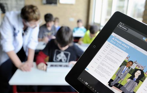 Apple Sees Schools Buoying Tablet Lead as Classes Use IPad