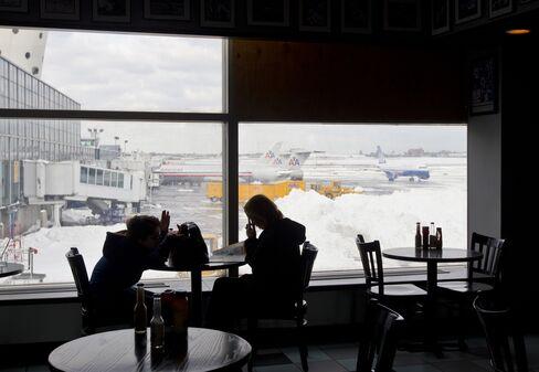 Winter Storm Scrubs Flights as It Moves Across Eastern U.S.