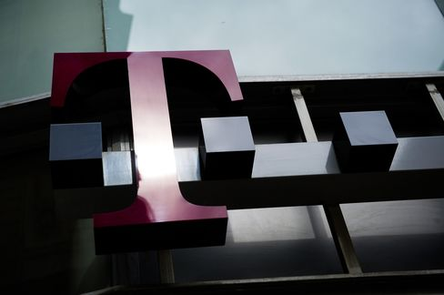 T-Mobile Said to Add Contract Customers for First Time in Years