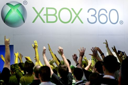Microsoft's Xbox Outsells Nintendo's Wii, Sony's PlayStation