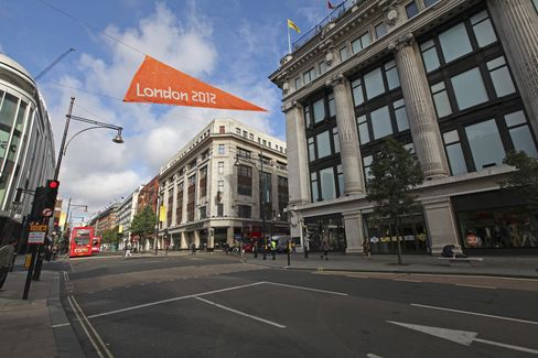 U.K. Retail Sales Fall as London Olympics Distracts Shoppers
