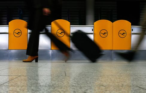 Lufthansa Scraps Almost 500 Flights During Pay Strike Tomorrow