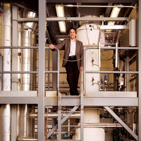 Jose Reyes, nuclear engineer and founder of Nuscale