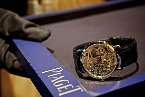 Piaget Sees China Sales Slowing as Stronger Yuan Boosts Travel