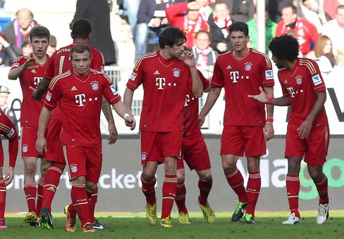 Bayern Munich Secures 10th Straight Win; Atletico Draws in Spain