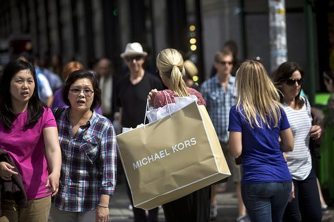 Wealth Effect Hits Spending of Upscale Shoppers