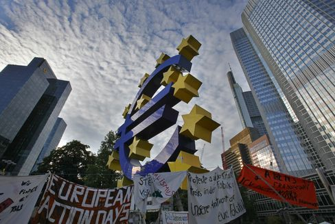 Euro Leaders Turn to Central Bankers for Help to Tackle Crisis