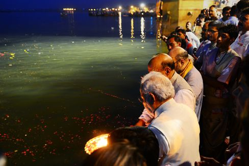 Modi On The Banks Of The Ganges