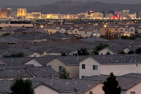 Bubbles Bloom Anew in Desert as Buyers Wager on Vegas