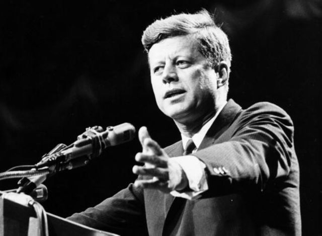 Democratshave a competitive race for best president: Bill Clinton, gets34 percent, John Kennedy and BarackObama, get 18 percent.