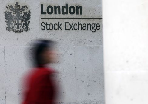 LSE's Bid Gets Lower Odds of Success Than NYSE's Deal