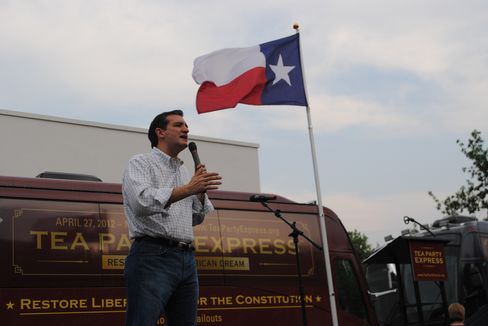 Cruz Seeks to Pry Mexican-American Texans From Democratic Fold