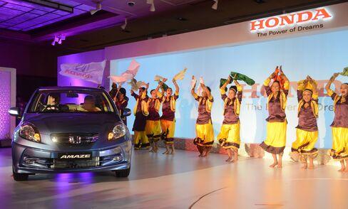 Honda Threatens Suzuki Lead in Compacts Battle