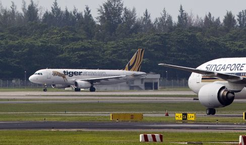 Tiger Air Shares Slump as Grounding May Be Extended