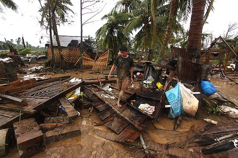 Storm Death Toll Rising in Philippines Taunts Disaster Response
