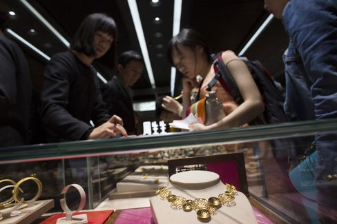 China's Gold Purchases From Hong Kong Expand to Record in March