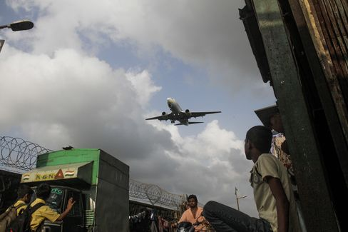 India Considers Linking Two Mumbai Airfields to Ease Congestion