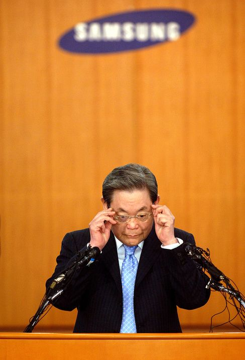 Billionaire Lee Fights Back Relatives Over Samsung Shares