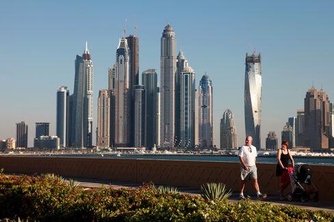 Dubai Supremacy Challenged as Global Banks Shift to Gulf Rivals