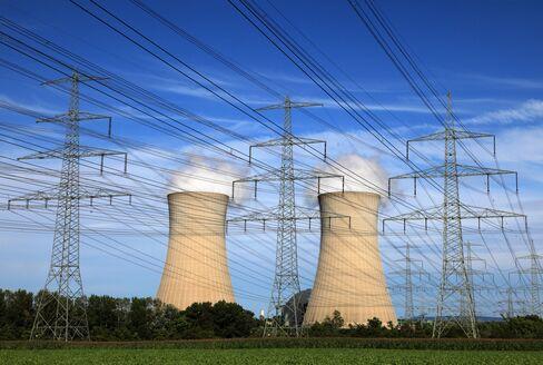 E.ON, RWE Poised to Cut Spending