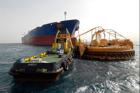 Bets on $250 Oil Rise as Traders See Suez Risk From Egypt