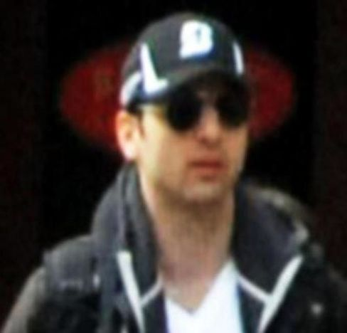 FBI Boston Bomb Investigation Narrows to Hunt for 2 Suspects