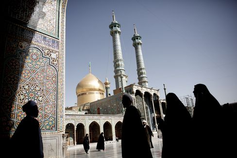 Economy Not Just for Donkeys as Crisis Tops Iran Voter Concerns