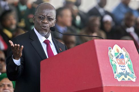 Tanzania Leader Targets Christmas in War on Government Waste
