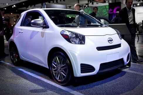 Toyota Struggles to Boost IQ as Kia Captures Market