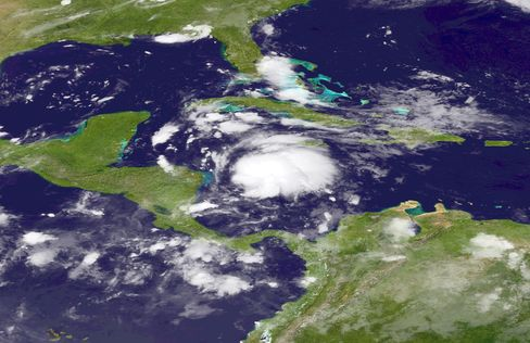 Tropical Storm to Pass Near Honduras on Track to Yucatan