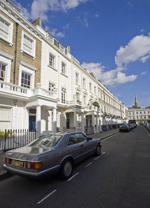 U.K. November Home Prices Fall for Fifth Month