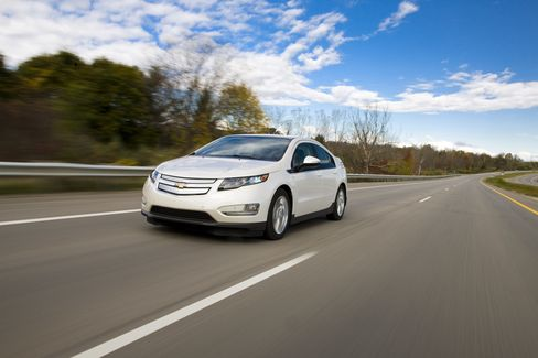 Natural Gas Vies With Electric Hybrids in GE Vehicle Fleet