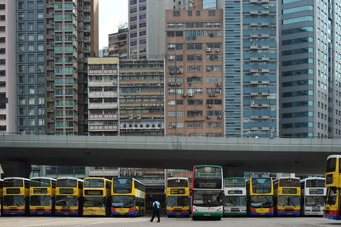 Hong Kong Will Ban High-Polluting Vehicles to Fight Smog