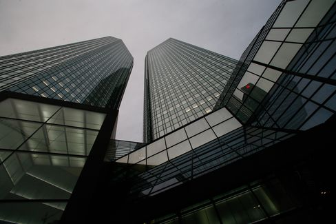 Deutsche Bank Top Tax Manager Said to Be Suspect in CO2 Probe