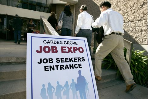Initial Jobless Claims in U.S. Fell 9,000