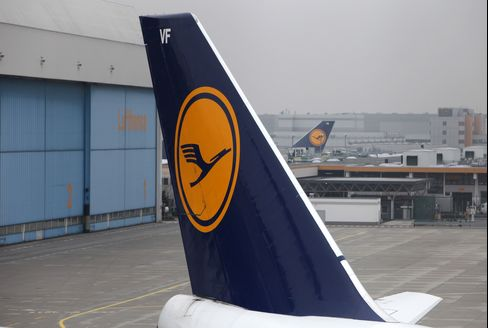 Lufthansa Cancels 150 Flights, Volcano Closes Airports