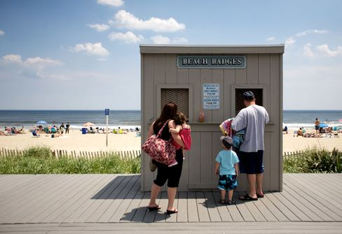 Urinating Tourists Move Weary Jersey Shore Towns to Seek Curfews