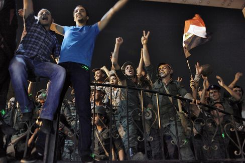 Egyptian Army Faces Need for Quick Vote Amid Opposition Disarray