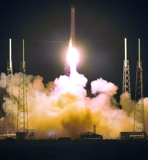 SpaceX's Next Tests Include Parallel Parking at Space Station