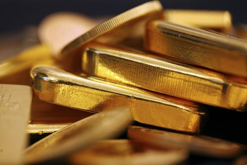 Gold Gains for First Time in Four Days on European Debt Woes