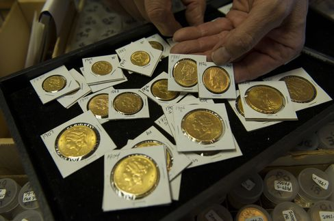 U.S. Mint Sales of Gold Coins at Three-Year High on Price Drop