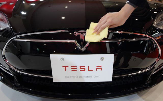 You don't need a dealer to keep your Tesla shiny. Photographer: Tomohiro Ohsumi/Bloomberg