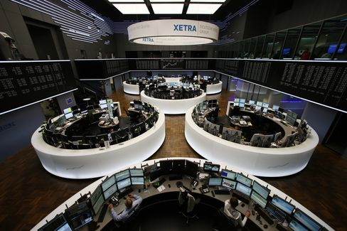 European Stocks Gain as Asian Shares, Emerging Currencies Drop