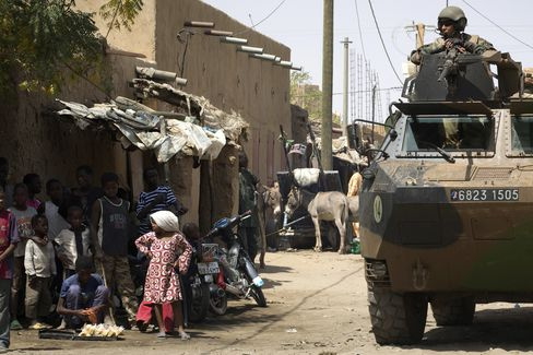 UN's Ban Recommends Putting Up to 11,200 Peacekeepers in Mali