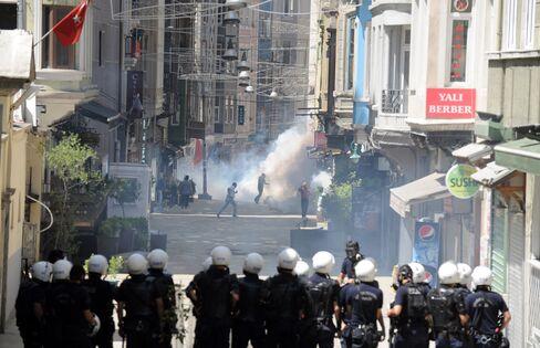Penguins Not Protests on Turkish TV Fuel Anger Against Media