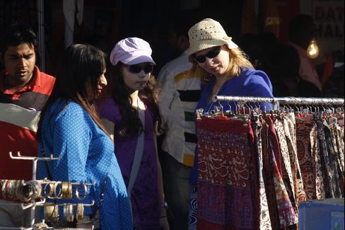 Women Tourists Avoid India Following Sexual Assaults, Study Says